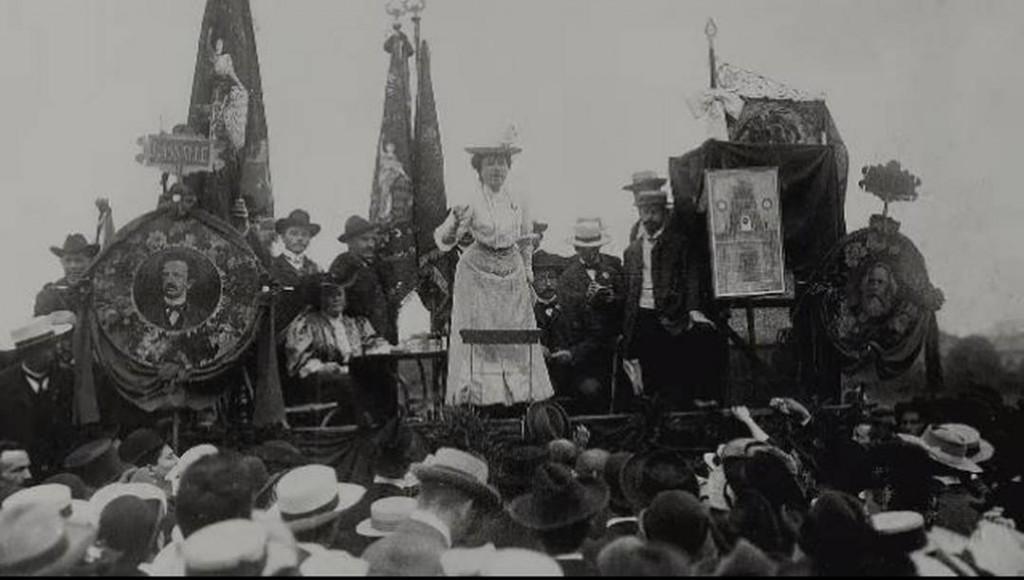 Rosa Luxemburg ad una manifestazione politica